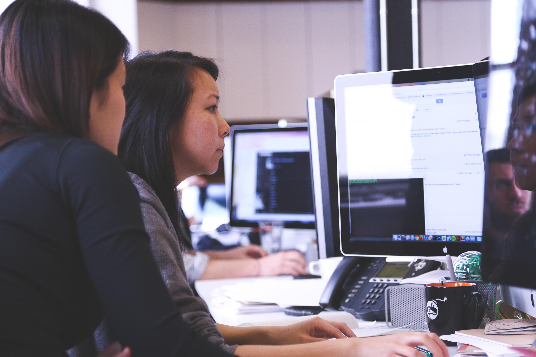Women at Computer Screen
